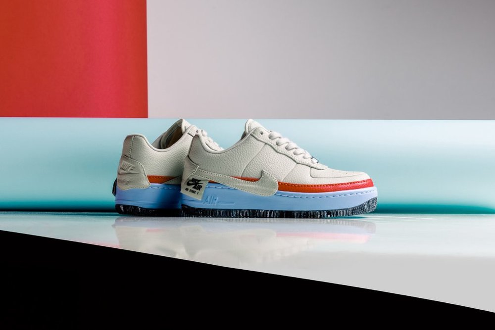 Nike_Women_s_AF1_Jester_XX_SE_AT2497-001_AT2497-002_-Feature-LV-0074_1024x1024.jpg