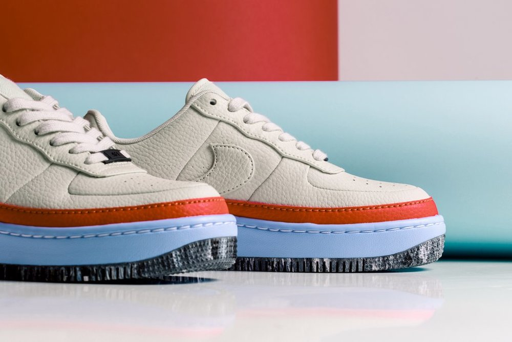 Nike_Women_s_AF1_Jester_XX_SE_AT2497-001_AT2497-002_-Feature-LV-0083_1024x1024.jpg