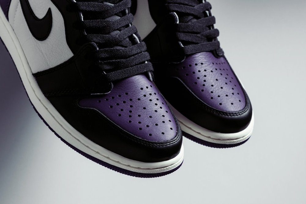 Air_Jordan_1_Retro_High_OG_-_Court_Purple-Black-Sail_-_555088-501_-_Feature_-_4_1024x1024.jpg