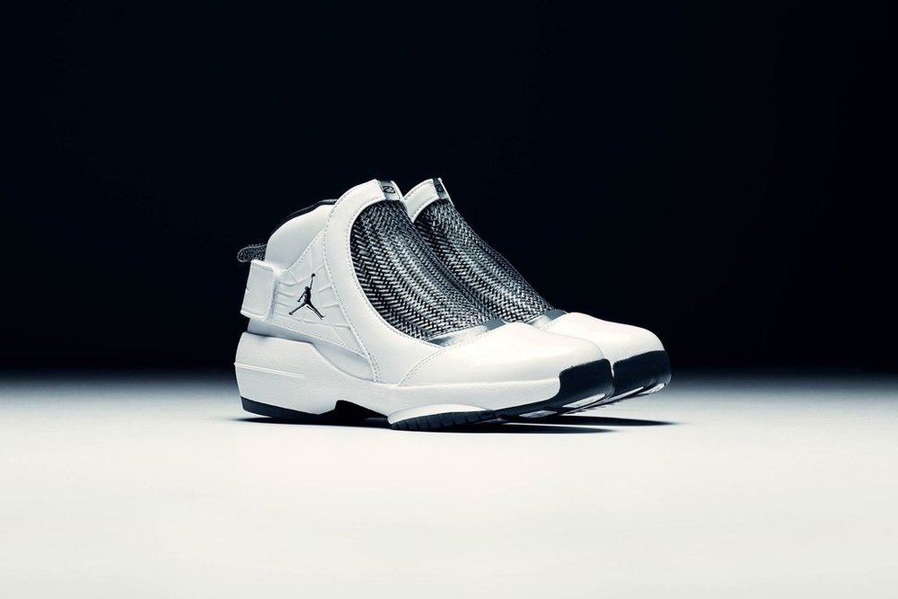 Air_Jordan_19_Retro_Flint_-_White-Chrome-Flint_Grey_AQ9213-100_-_Feature-LV_-_January_02_2019-15_1024x1024.jpg