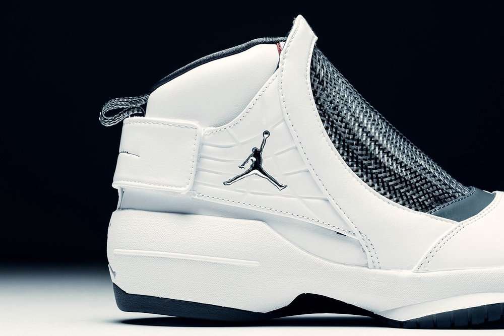 Air_Jordan_19_Retro_Flint_-_White-Chrome-Flint_Grey_AQ9213-100_-_Feature-LV_-_January_02_2019-29_1024x1024.jpg