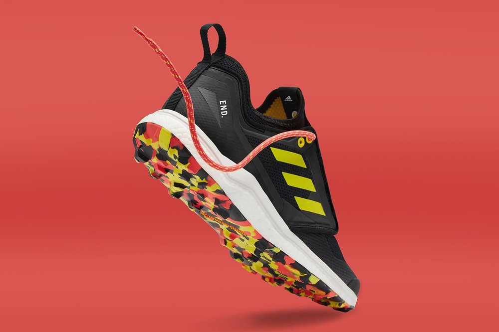 https___hypebeast.com_image_2019_03_end-adidas-consortium-terrex-agravic-xt-thermochromic-2.jpg