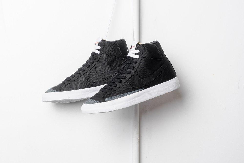 Nike_Blazer_Mid_77_Vintage_WE_Black_Black_White_cd8238-001_sneaker_politics_-5.jpg