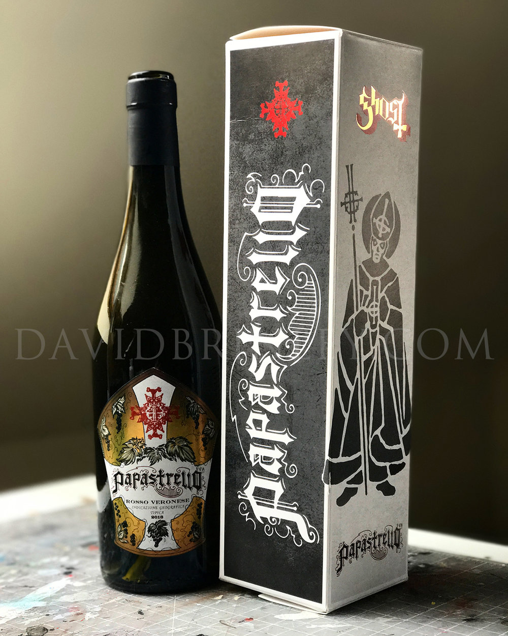 GHOST | Papastrello wine labels  and box   Ink on paper and digital  Official Papastrello hand lettered logotype, illustration, and design for front and back labels and box packaging  Brands For Fans (Sweden) | 2016