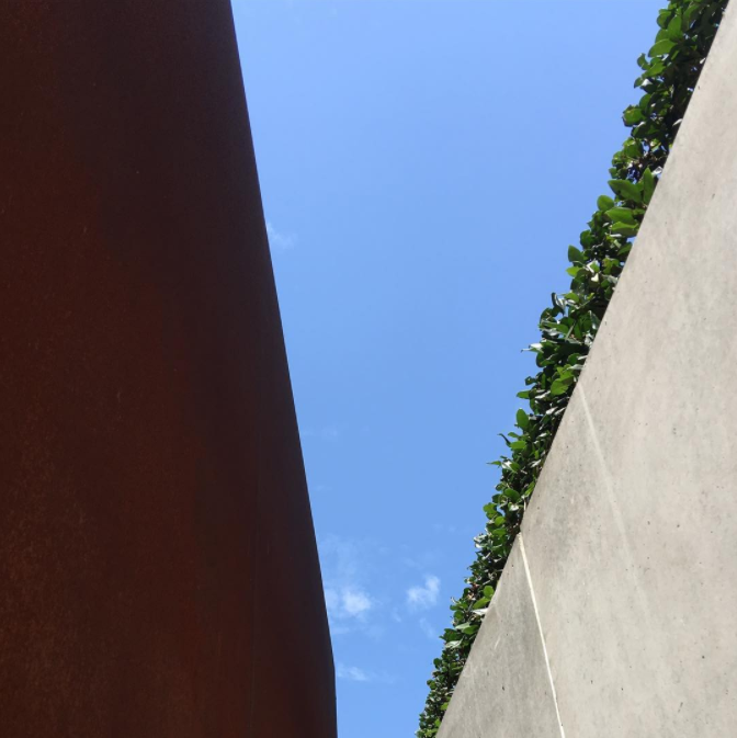 Played hometown architect tourist for a bit today...  #sandiego   #downtownsandiego   #bluesky   #blueskyfordays   #architecture   #landscapearchitecture   #urbandesign   #publicspace   #corten   #cortensteel   #steel   #castinplaceconcrete   #richardmeier   #unitedstatescourthouse   #LEED   #LEEDGoldCertified   #modern   #moderndesign   #modernarchitecture