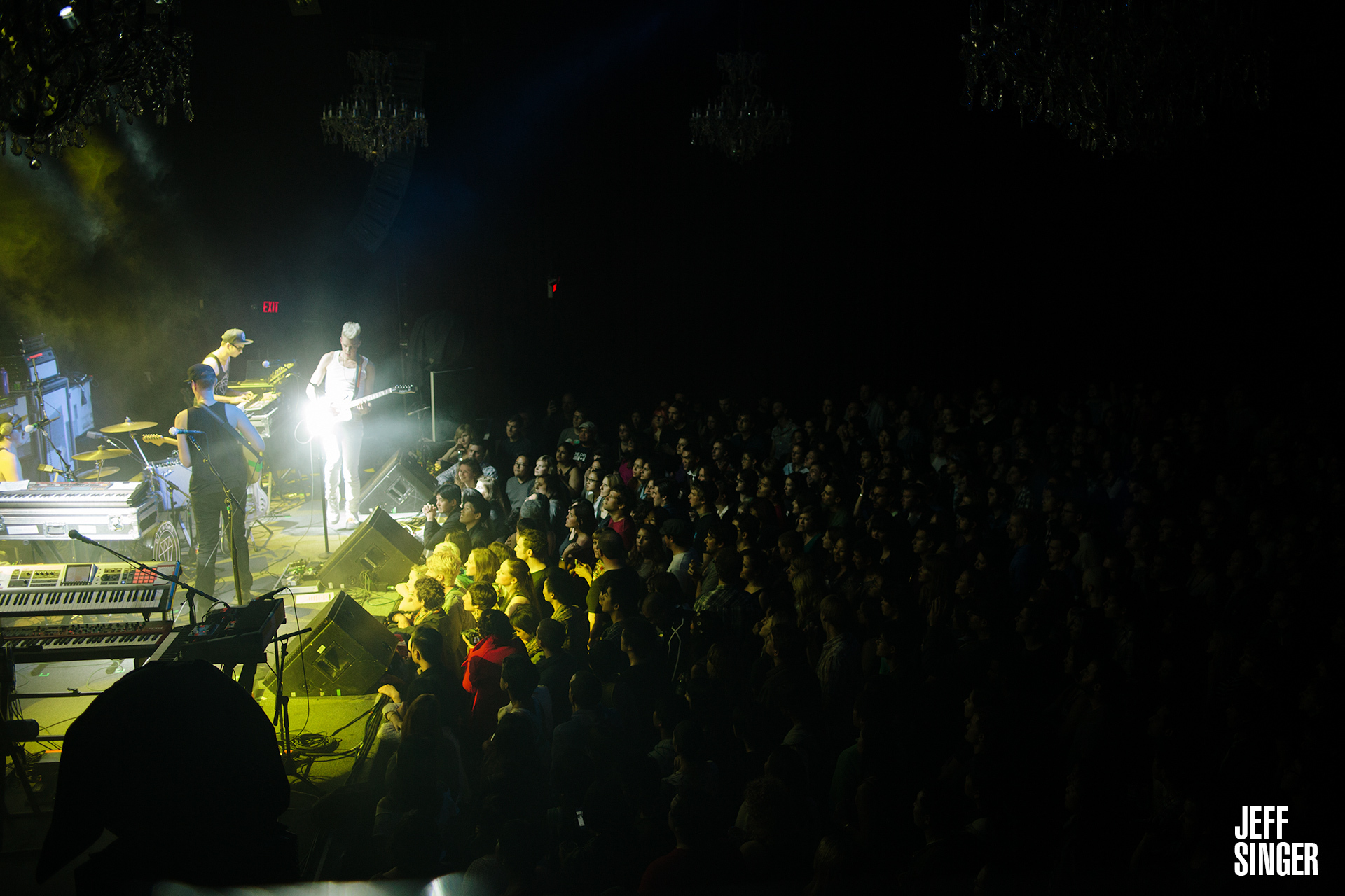 Diamon Rings On Stage At The Fillmore