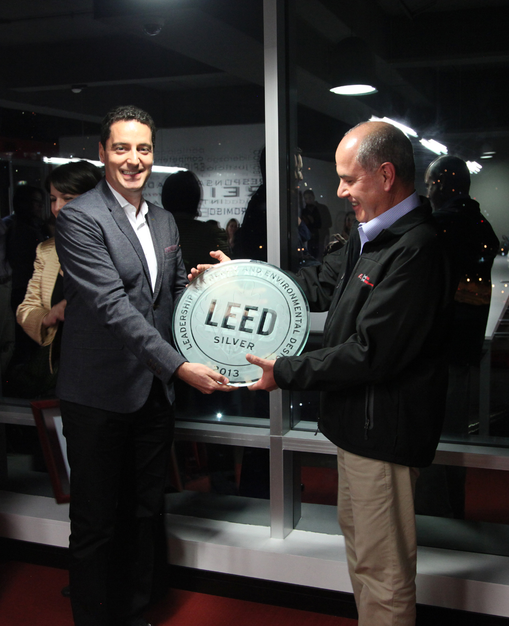 Mauricio presenting the LEED Silver plaque to Mr Eddy Wever CEO Multi Inversiones DIP