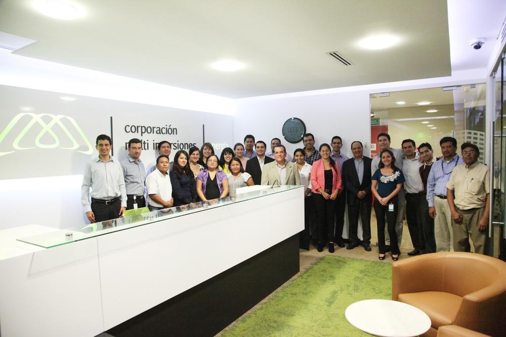 Equipo de DEN orgullosos del trabajo logrado en sus oficinas ahora con la certificación LEED GOLD.