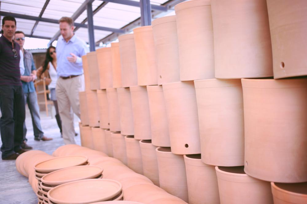 Philip Wilson nos explica el proceso de elaboración de los recipientes que contienen el filtro, el cual es igual de minucioso.