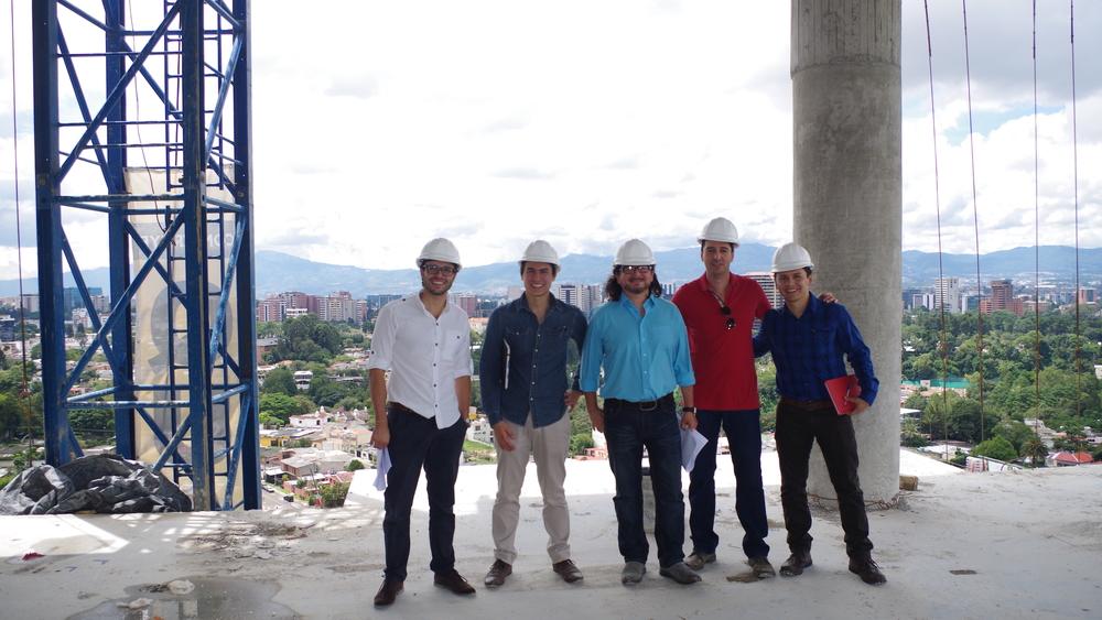 Nuestro equipo de Studio Domus: Julio Barrios, Miguel Yon, Alfredo Saravia Mérida, Mauricio Barillas y el Ingeniero Sebastián Vaides.