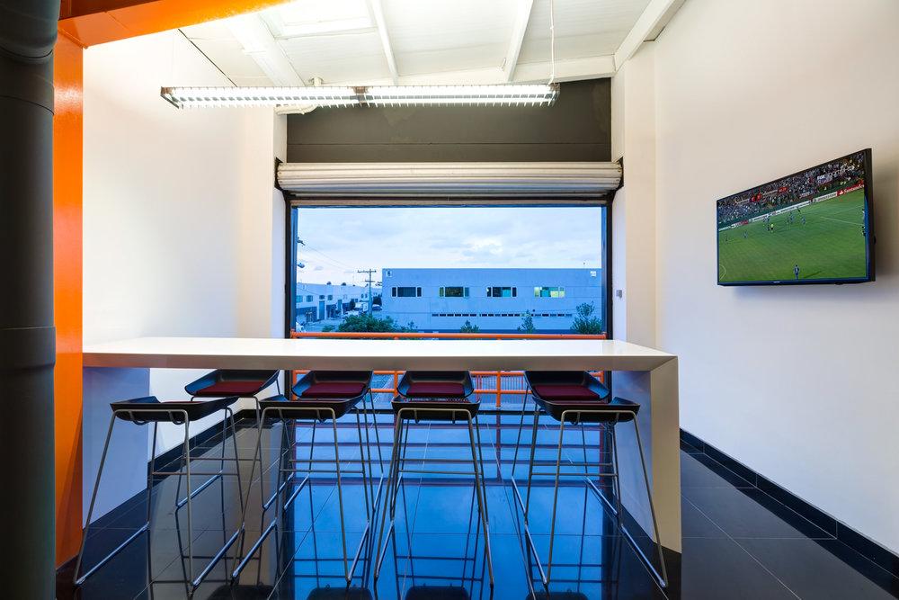 La posibilidad de combinar aire acondicionado con ventilación natural incide directamente en el consumo energético de los espacios.