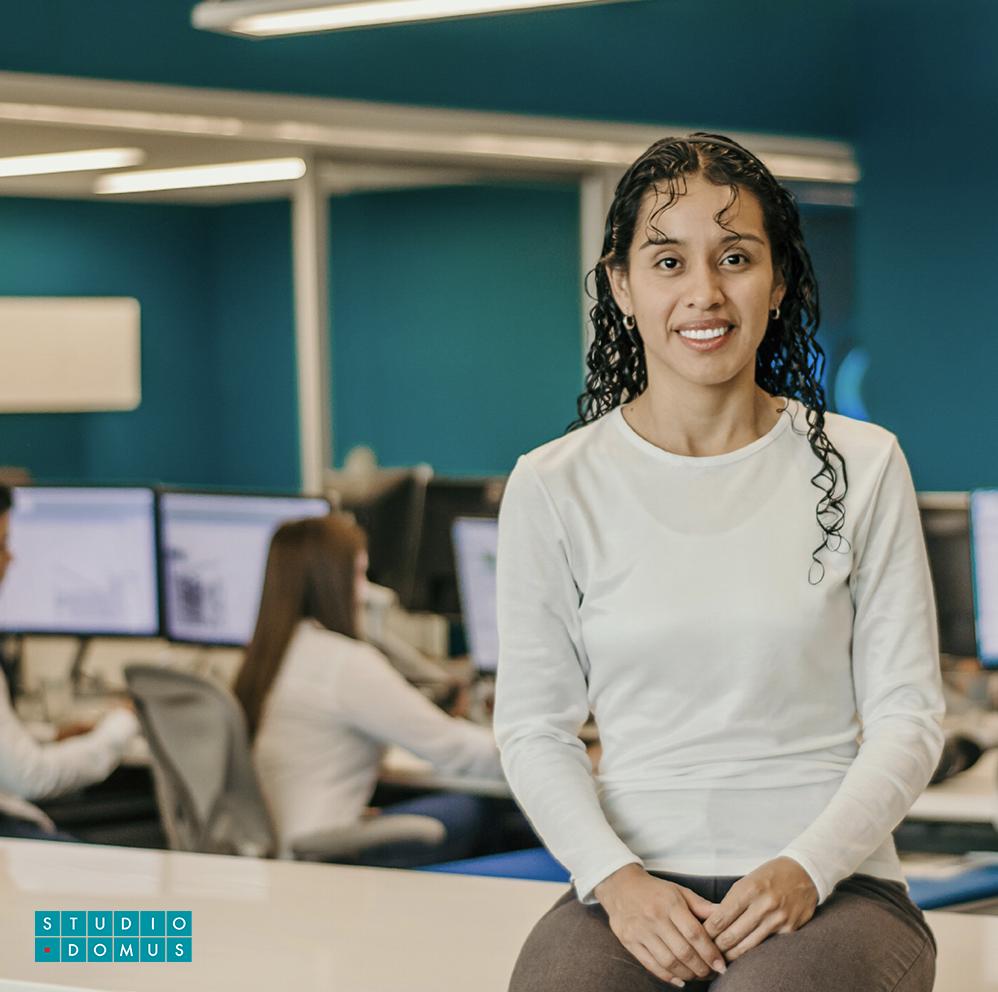 Jennifer De León  Financial Manager