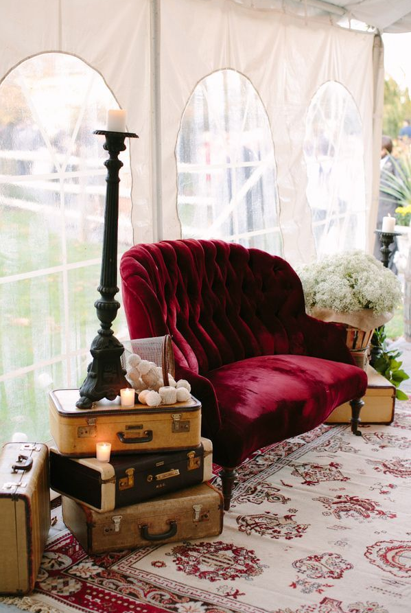 Love seat + rug + side table cluster =  mini lounge love.