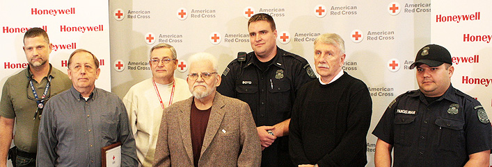 The American Red Cross recently honored six Missouri men for saving a co-worker's life after he suffered cardiac arrest. To read the full article click  here.