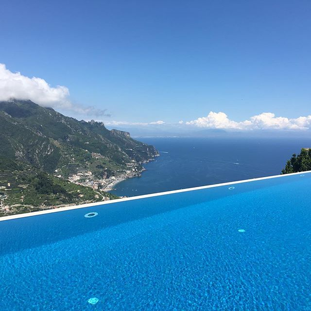 When life feels like #art. #Infinity #pool