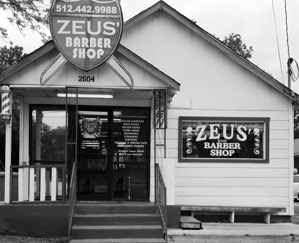 Zues' Barbershop Front