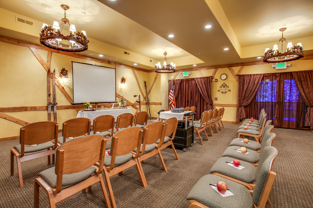 Bavarian Lodge-meeting room102.jpg