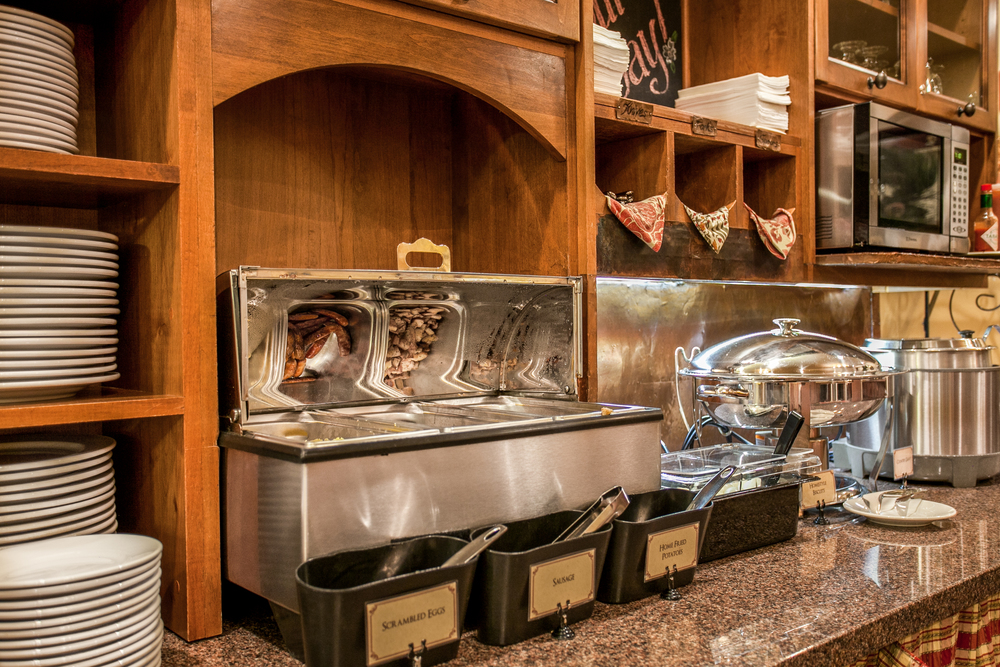 Bavarian Lodge-serving area15.jpg