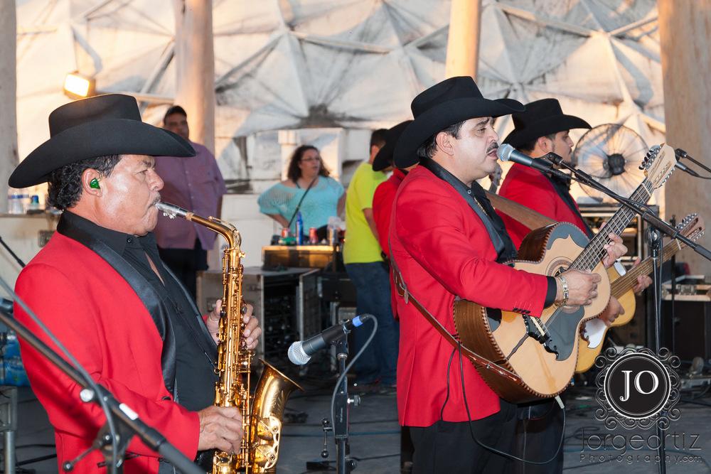 Las Fiestas Patrias desde National Orange Show en San Bernardino, CA - Que Buena 96.1 FM