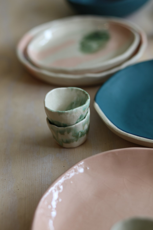 Mini bowls para salsas y mieles. Esmalte transparente y escurrido de óxidos.