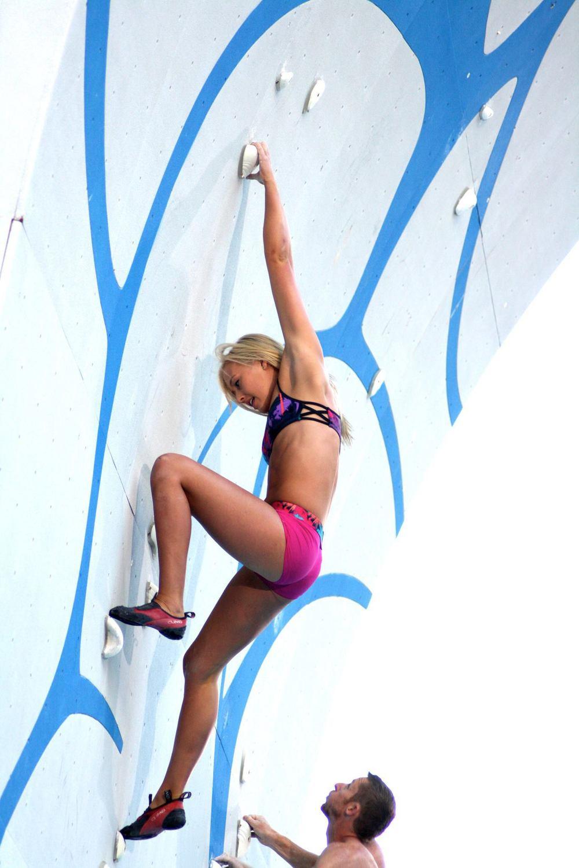 Sierra Blair-coyle Climbing Sierra Blair-coyle