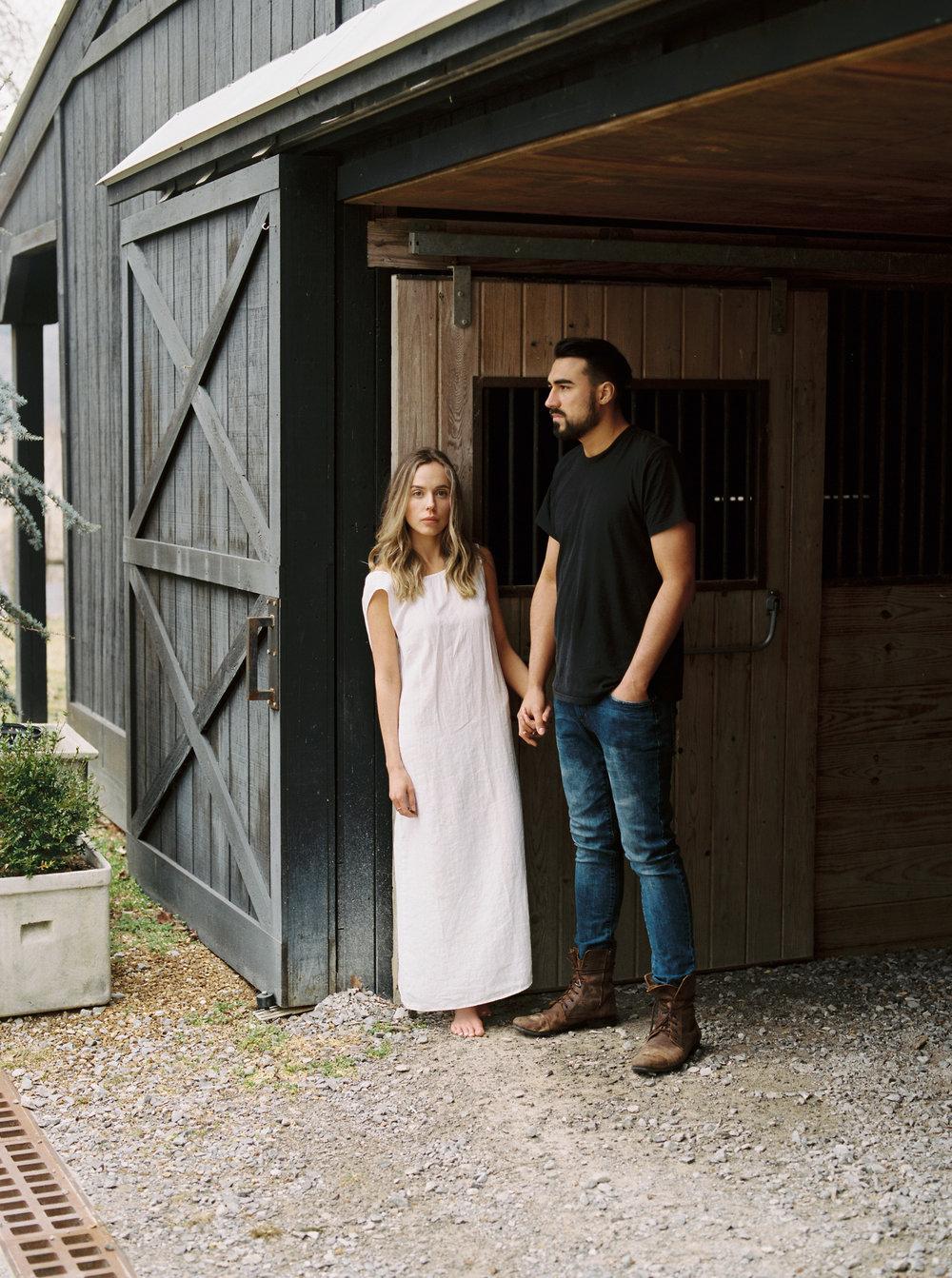 Kyle John l Fine Art Wedding Photography l Chicago, Copenhagen, California, New York, Destination l Blog l Jessica Sloane_Bloomsbury Farm_Nashville_23