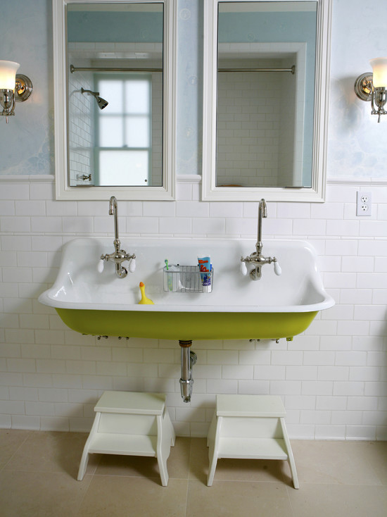 houseandhomepics: Bath by Upscale Construction http://www.houzz.com/photos/326452/Washington-Street-Remodel-traditional-bathroom-san-francisco We think this is so cool!