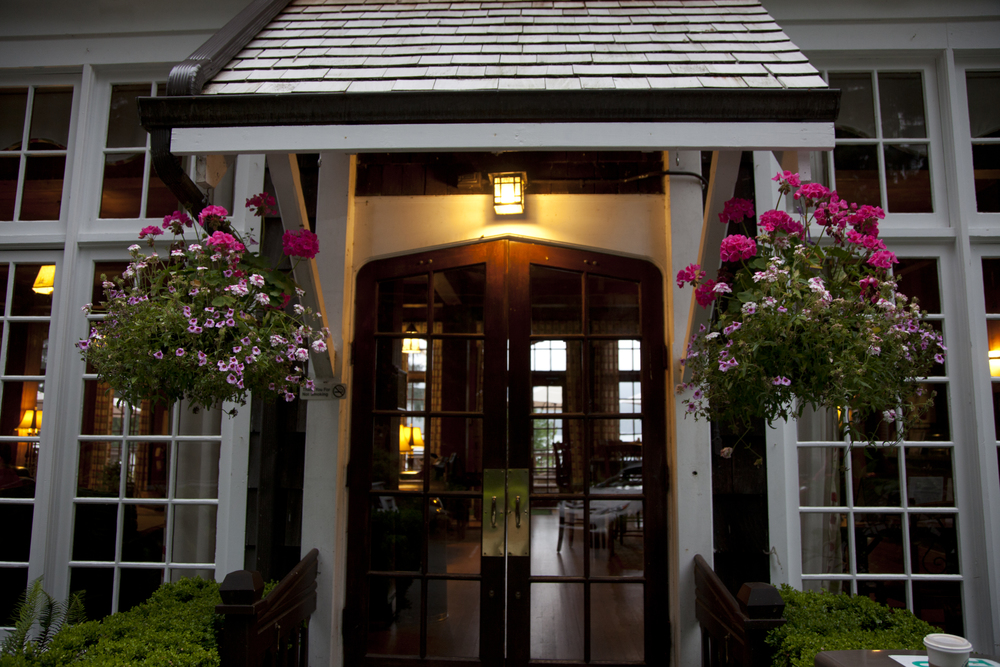 Lake Quinault Lodge - Entrance (4).jpg