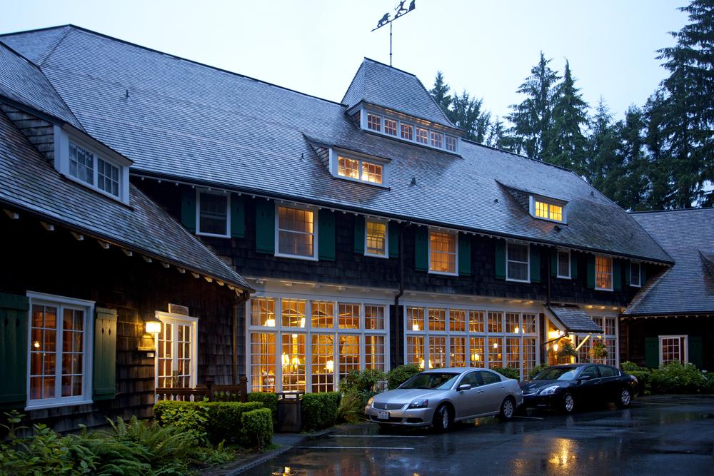 Lake Quinault Lodge - Entrance (1).jpg