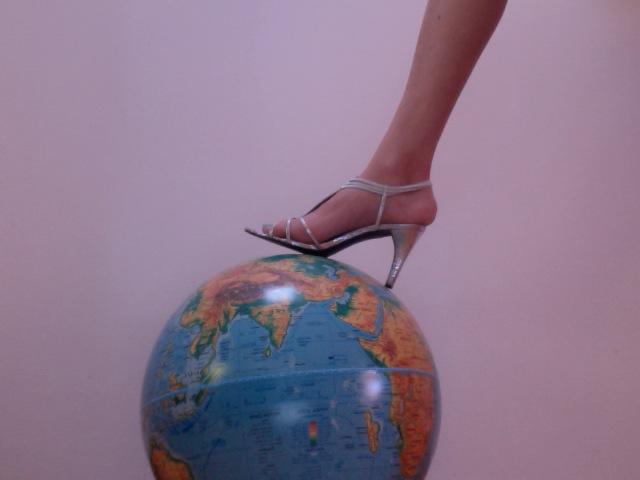 heel:globe.jpg
