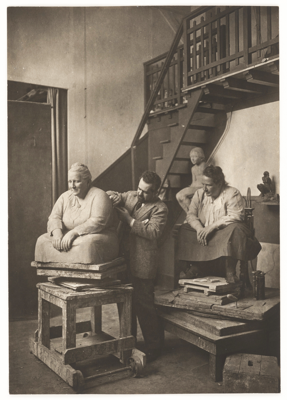 Man Ray, Gertrude Stein posing for Jo Davidson, 1922, gelatin silver print. Courtesy of the National Portrait Gallery, Smithsonian Institution, © 2010 Man Ray Trust / Artists Rights Society (ARS), New York / ADAGP, Paris.