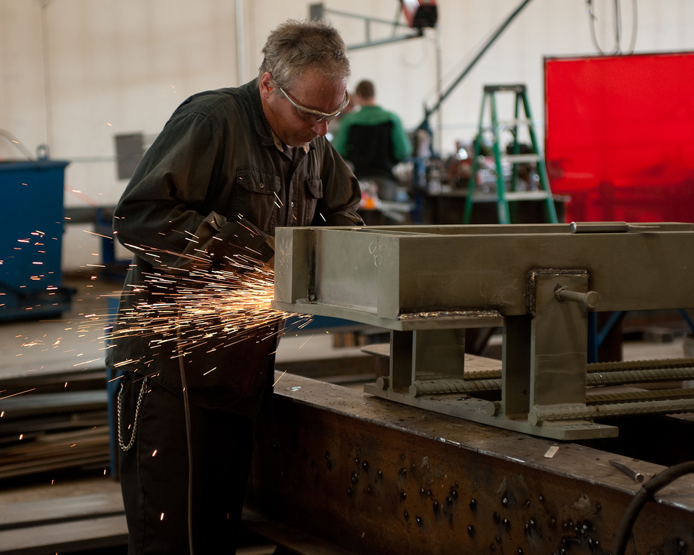 Grinding Welds on Precast Embeds, Vikings Stadium