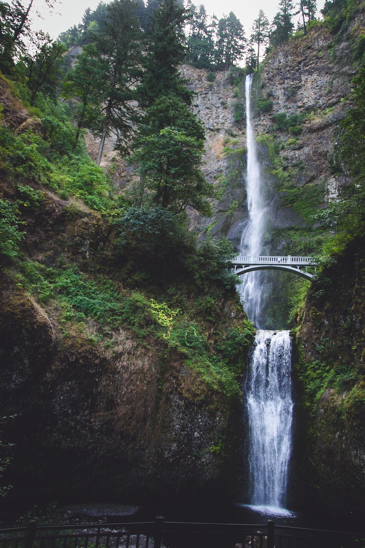 Upper and lower Multnomah Falls, OR