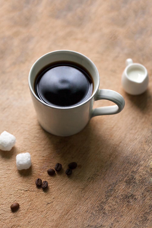 咖啡小知識|除了果實可以烘製為咖啡豆,咖啡葉片也能製成茶飲。研究指出,咖啡葉茶(coffee leaf tea)可以降低心血管疾病與糖尿病的罹患率。
