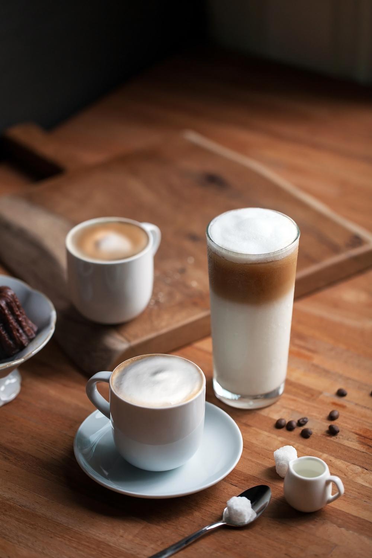 咖啡的英文名Coffee源於阿拉伯文Qahwah,但這中間的演變過程卻眾說紛紜莫衷一是。
