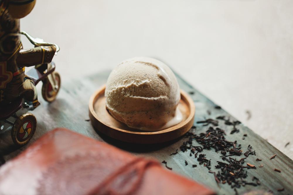 【馬可波羅奶茶】 以茶品製作冰淇淋是8%ice的特色,一系列法國瑪黑茶風味的冰品風味更令人迷戀。盛暑難卻,茶湯的沉、穩、緩撫平了夏日躁動的心情。