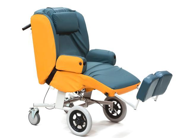 Meuris Explorer Junior Chair footrests elevated.jpg