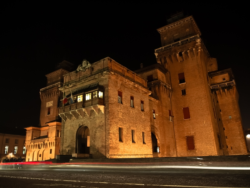 The Castle of Este at night