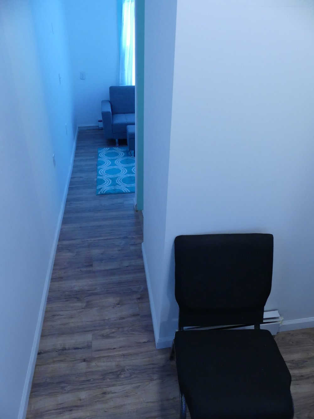 9A Hallway to Sitting Room.jpg
