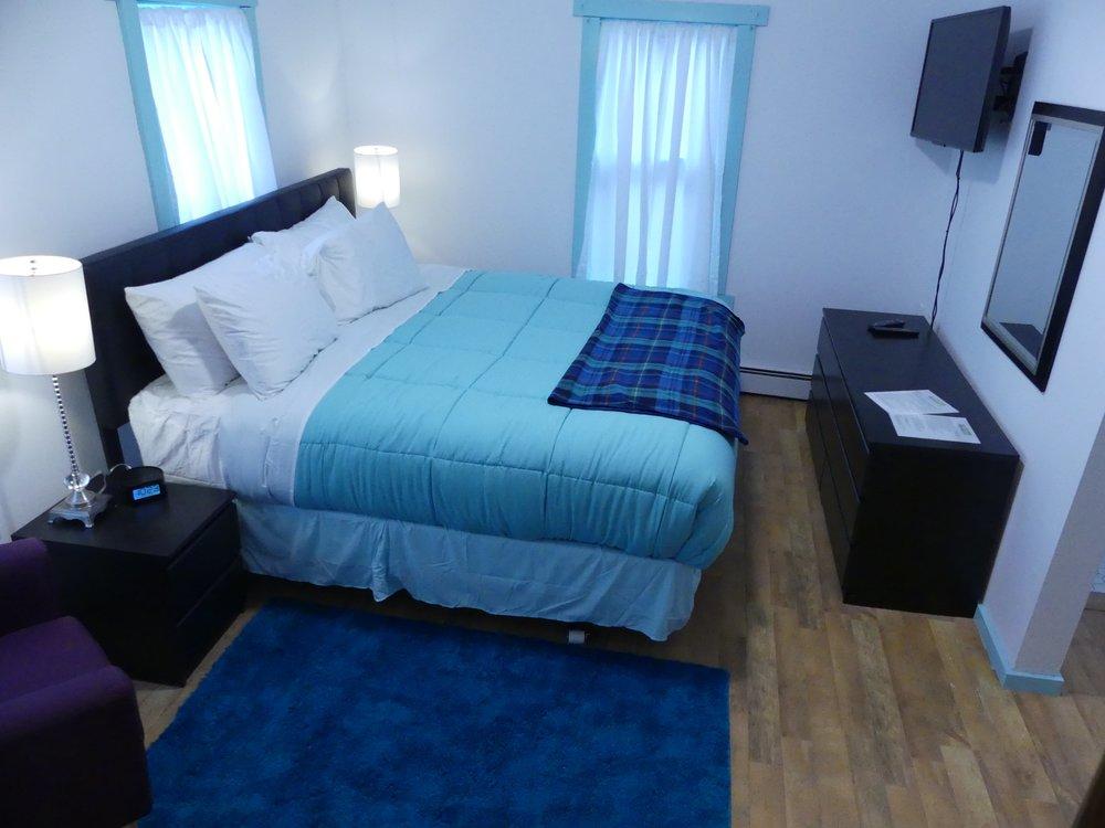 9B Bedroom.jpg