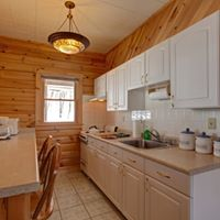 Cabins 4.5.6 Kitchen.jpg