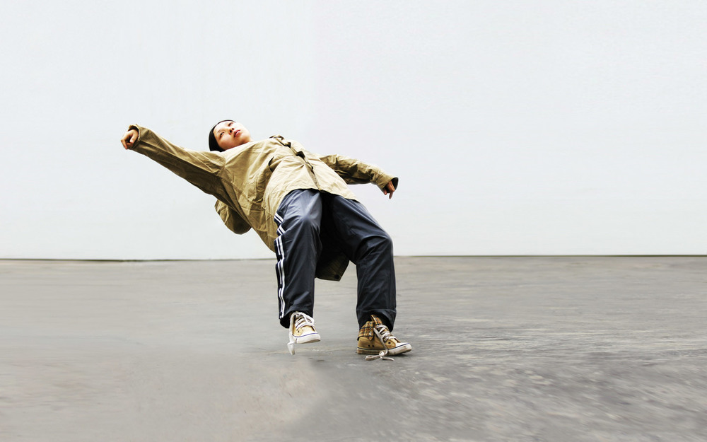 Xu Zhen, In Just a Blink of an Eye (2005, 2012) Photo: Linda Nylind