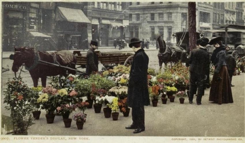 flowervendorspostcard1910.jpg