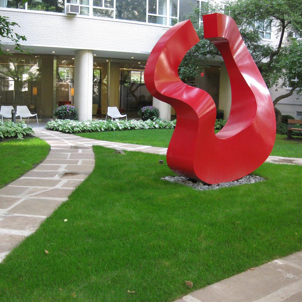 200 E 66TH (MANHATTAN HOUSE): NYC, GARDEN DESIGN + MAINTENANCE