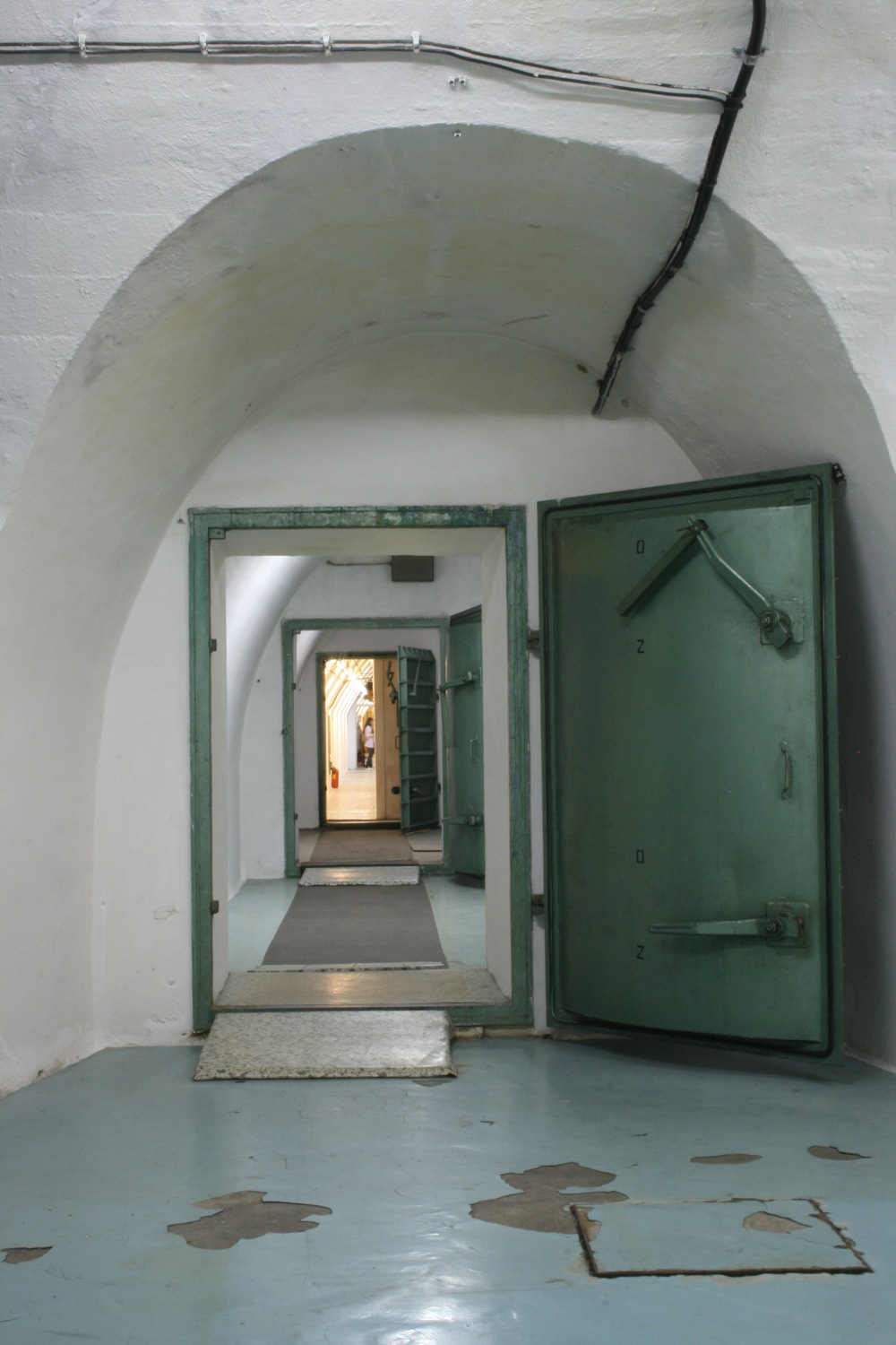 entry from big hallway 1c.JPG