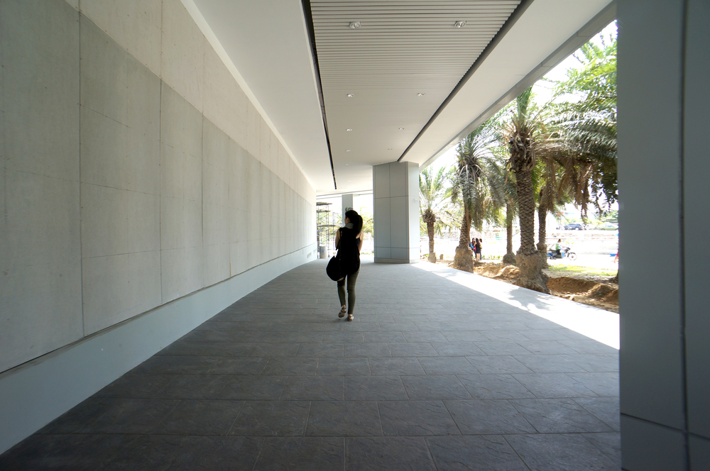 Exterior 01.jpg