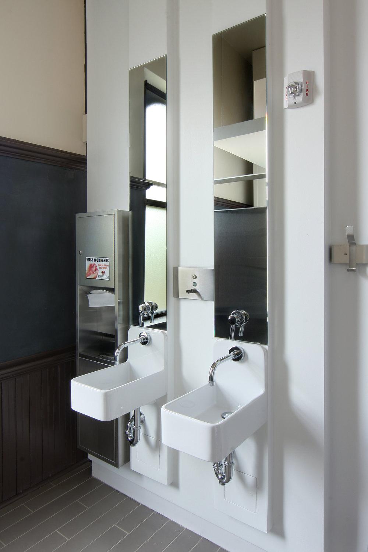 Restroom_02_4x6.jpg