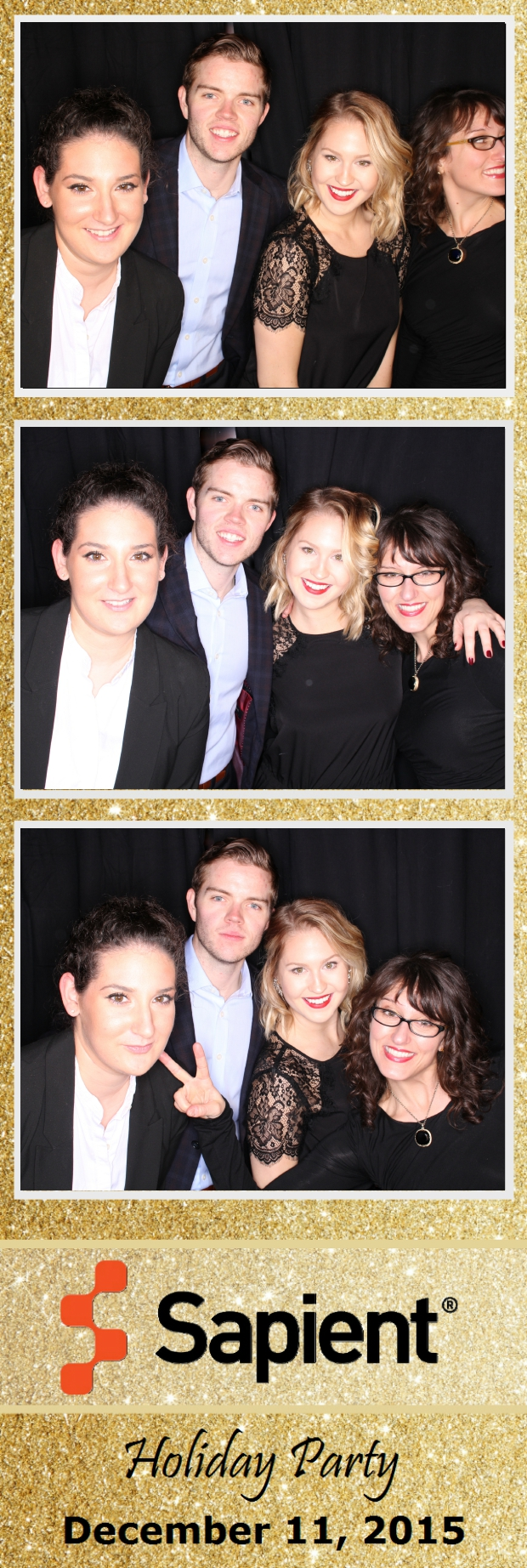 Guest House Events Photo Booth Sapient Holiday Party (31).jpg