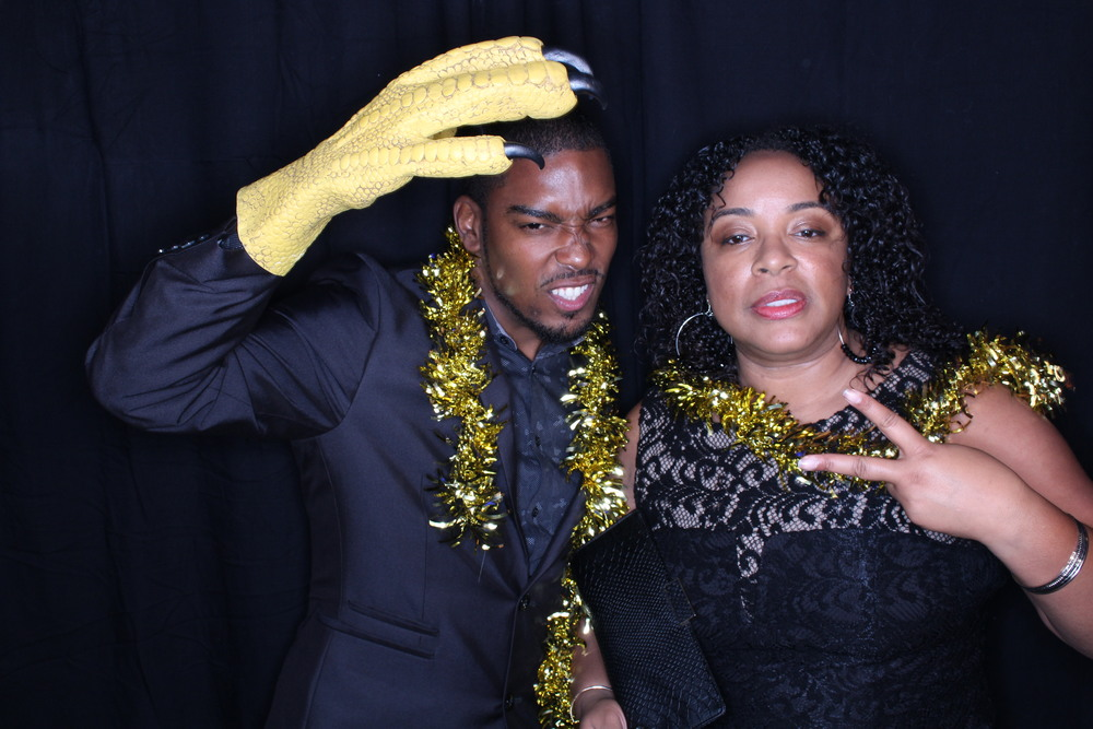 Guest House Events Photo Booth Sapient Holiday Party Originals (16).jpg