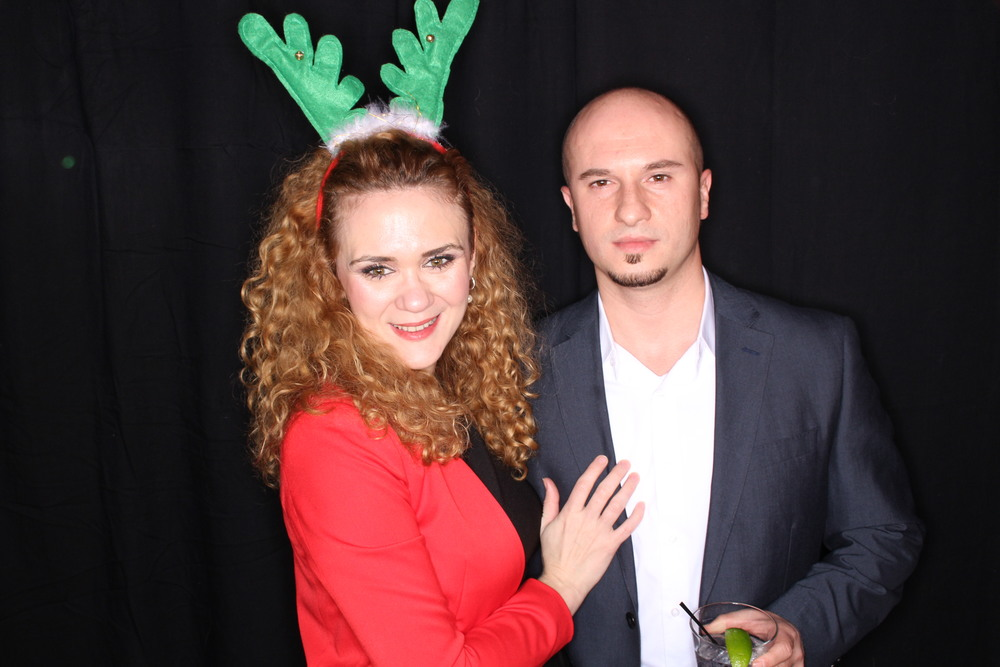 Guest House Events Photo Booth Sapient Holiday Party Originals (19).jpg